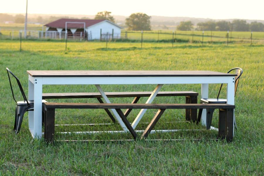 DIY โต๊ะสไตล์ฟาร์มเฮาส์