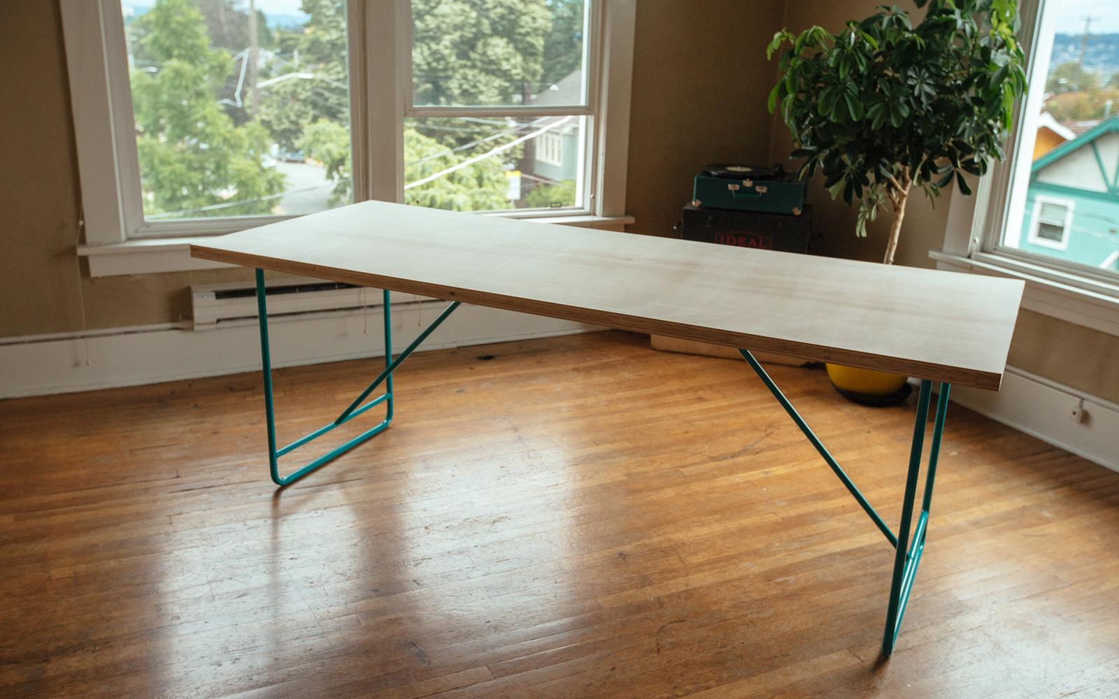 DIY โต๊ะอาหารสไตล์ Mid-century Modern